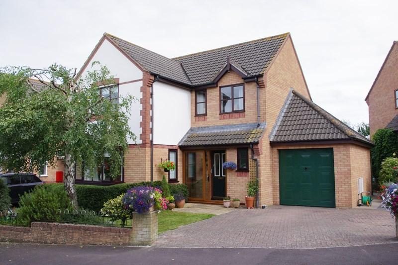 4 Bedrooms Detached House for sale in Hemlets Close, Bradpole, Bridport