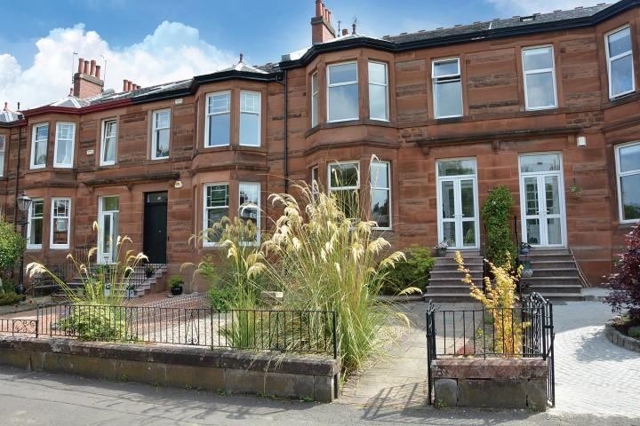3 Bedrooms Terraced House for sale in 17 Deanwood Avenue, Netherlee, G44 3RL