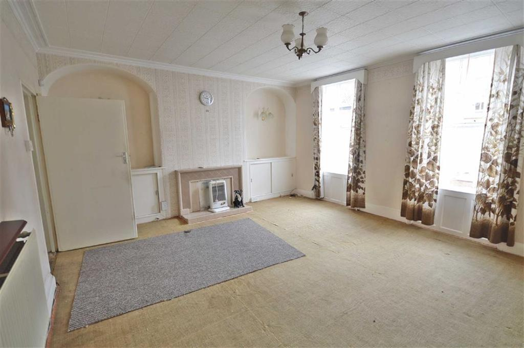 3 Bedrooms Terraced House for sale in Longwestgate, Scarborough