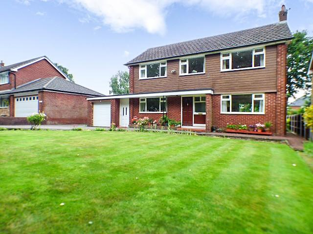 4 Bedrooms Detached House for sale in Park Road, Higher Runcorn