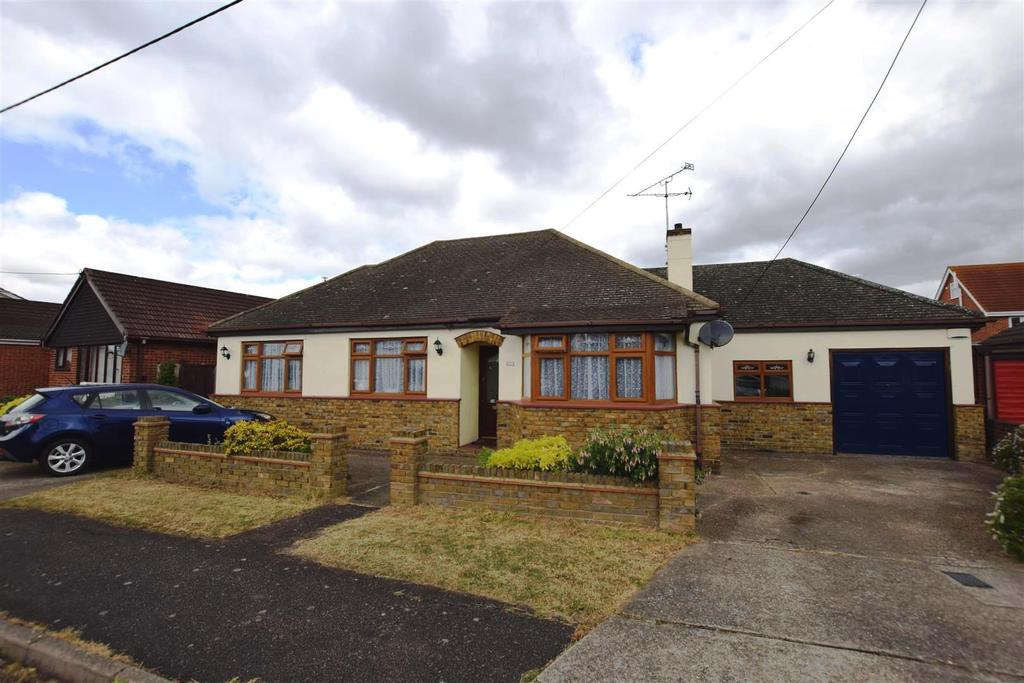 4 Bedrooms Detached Bungalow for sale in Spanbeek Road, Canvey Island