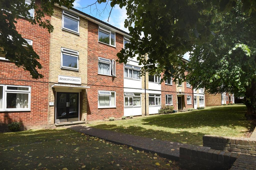 2 Bedrooms Flat for sale in Bishops Green, Upper Park Road, Bromley