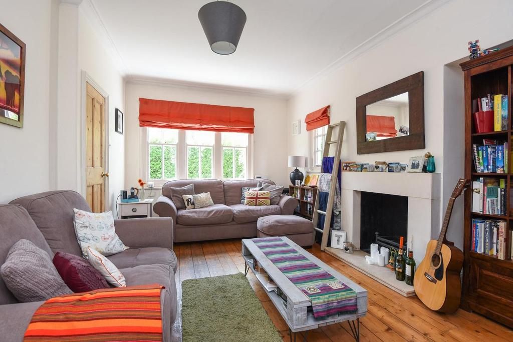 2 Bedrooms Semi Detached House for sale in Derinton Road, Tooting, SW17