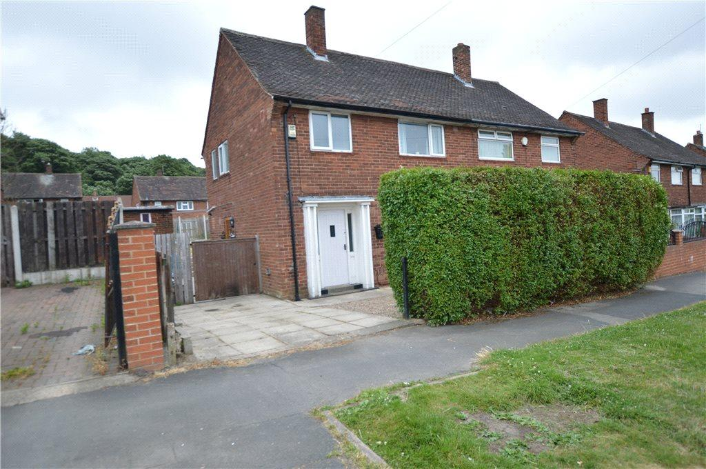 3 Bedrooms Semi Detached House for sale in Southwood Road, Leeds, West Yorkshire