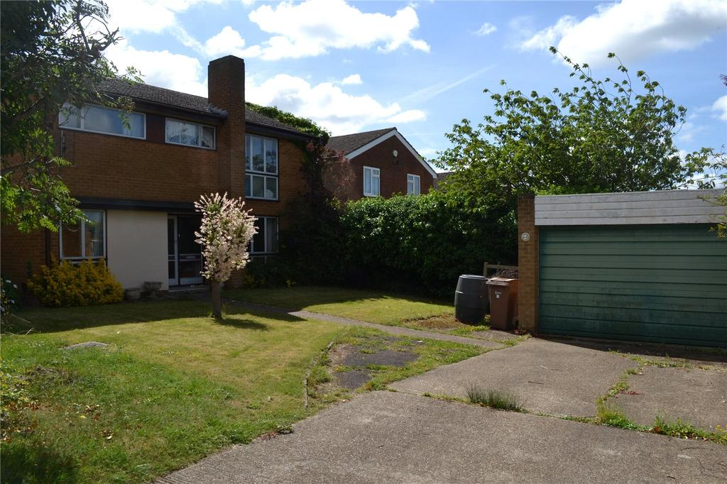 4 Bedrooms Detached House for sale in Wessex Gardens, Twyford, Berkshire, RG10