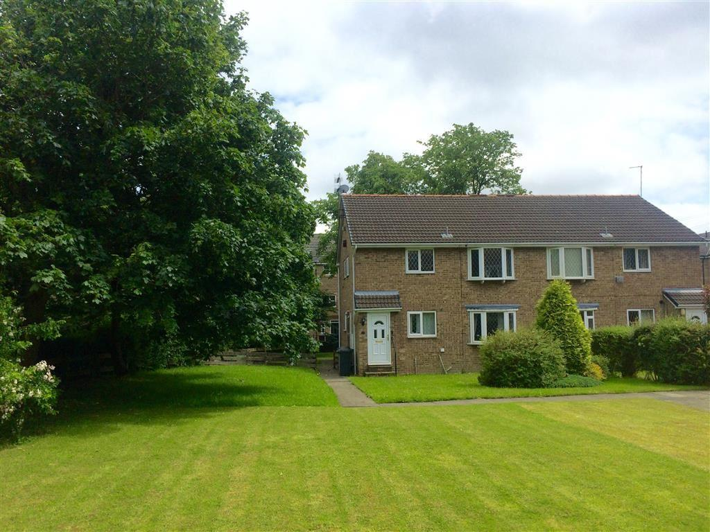 2 Bedrooms Flat for sale in Lakeside Court (First Floor), Lindley, Huddersfield, HD3