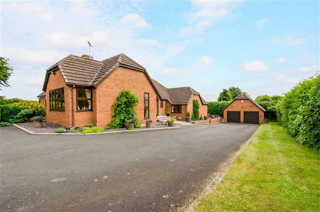4 Bedrooms Bungalow for sale in Manor Lane, Kidderminster, DY11