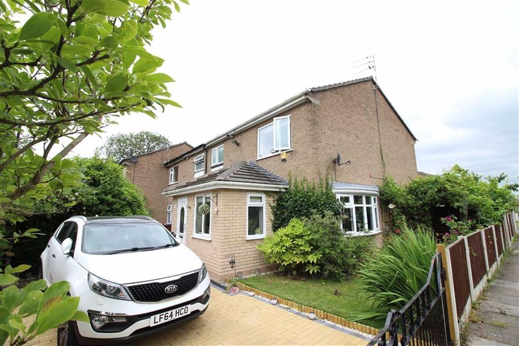 3 Bedrooms Semi Detached House for sale in Ashbourne Crescent, Sale