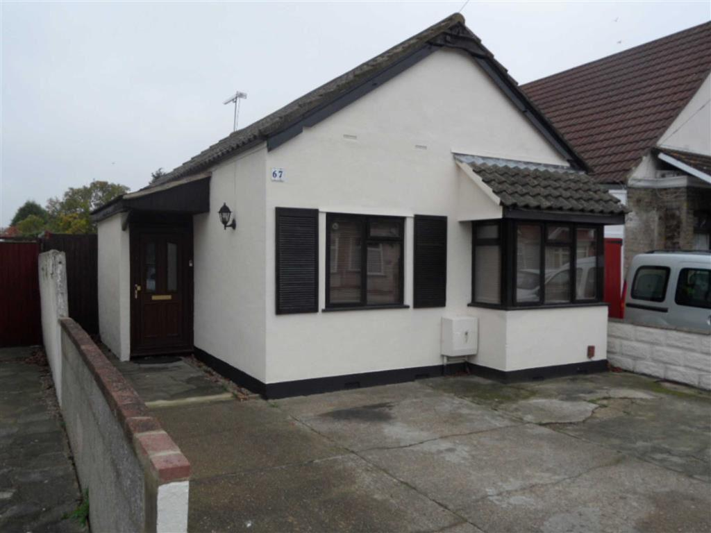 3 Bedrooms Bungalow for sale in Lonsdale Road, Southend On Sea, Essex