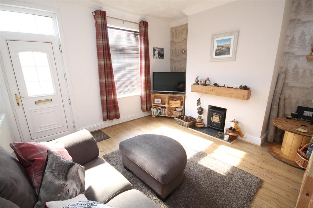 2 Bedrooms Terraced House for sale in Sheffield Road, Birdwell, Barnsley, S70