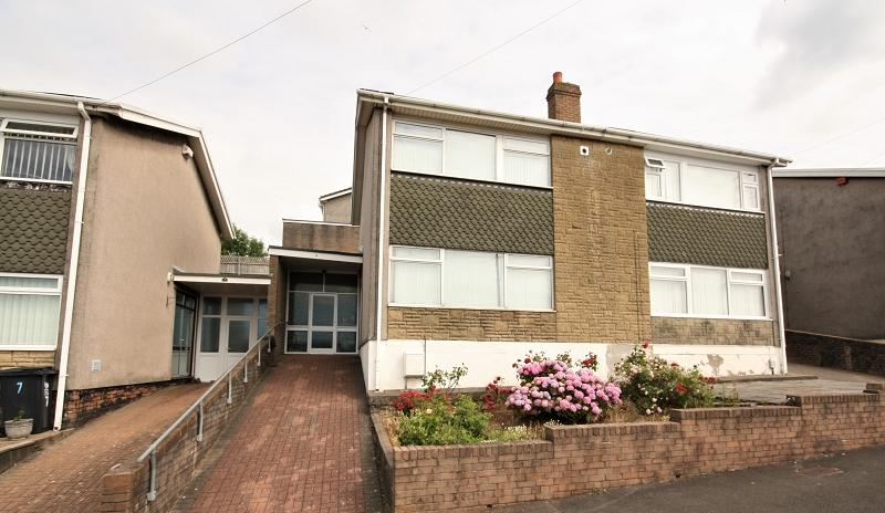 3 Bedrooms Semi Detached House for sale in Lawrence Hill Avenue, Newport, Newport. NP19 9BQ
