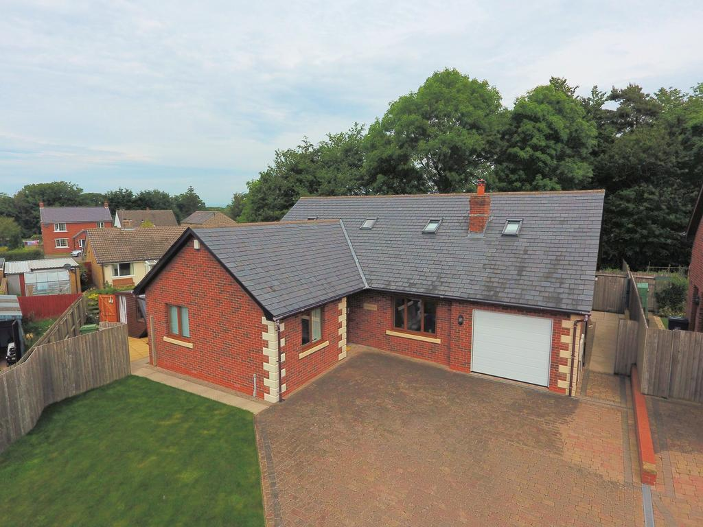 5 Bedrooms Detached Bungalow for sale in Chapelfield Lane, Thurstonfield, Carlisle CA5 6HP