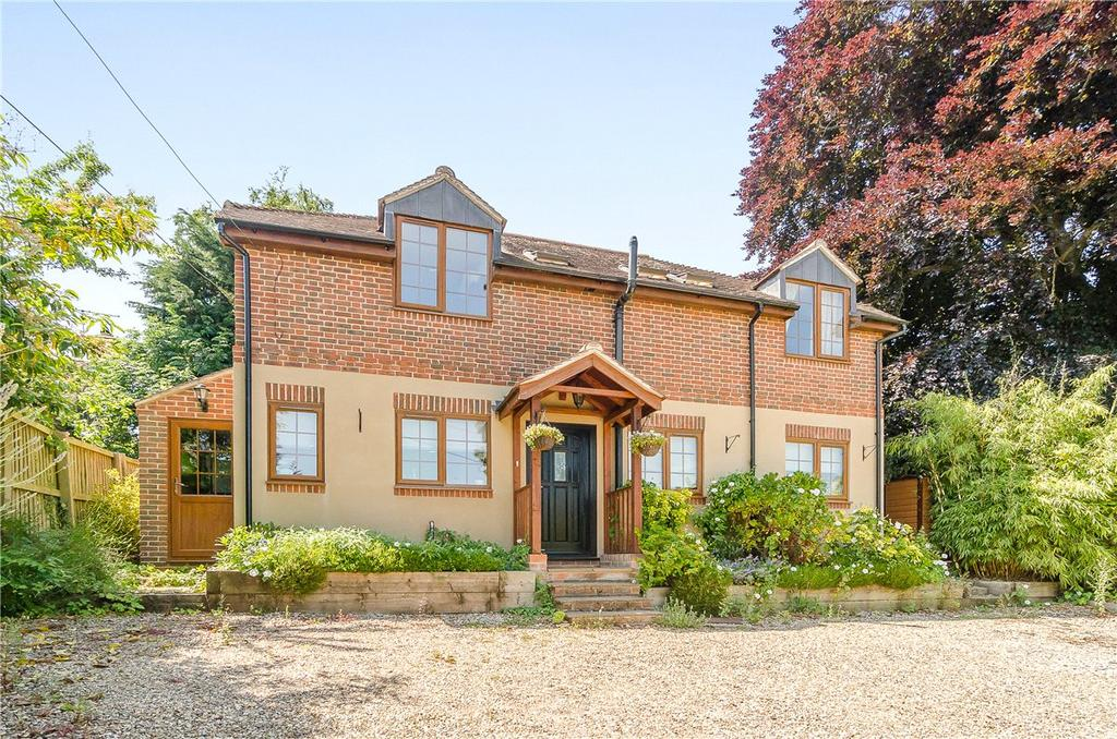 4 Bedrooms Detached House for sale in Oxford Road, Donnington, Newbury, Berkshire, RG14