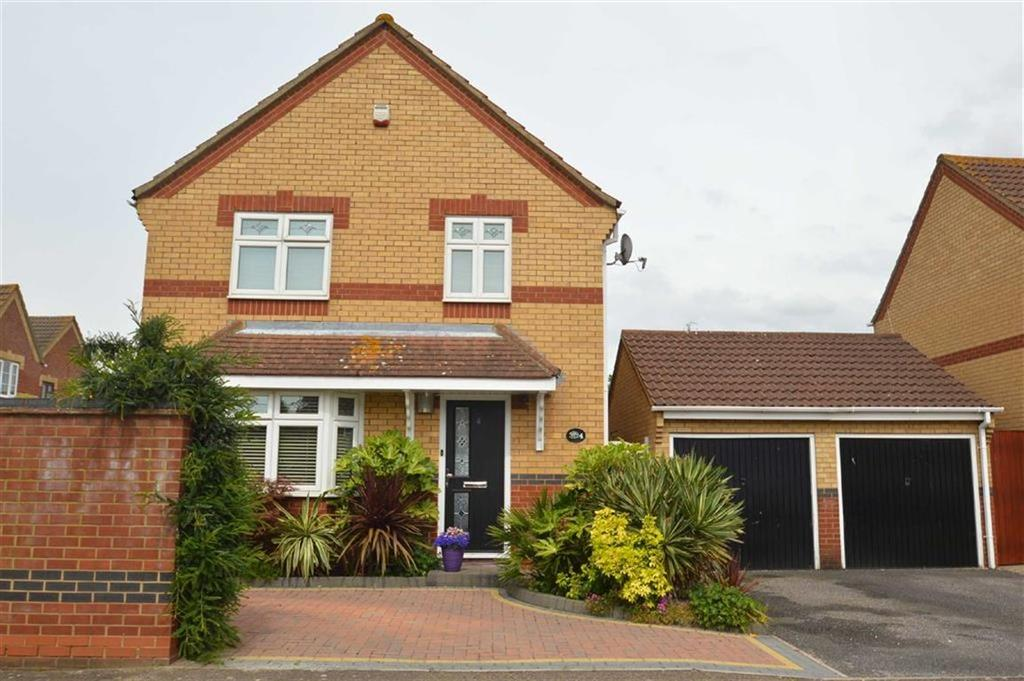 4 Bedrooms Detached House for sale in Stewart Place, Wickford, Essex