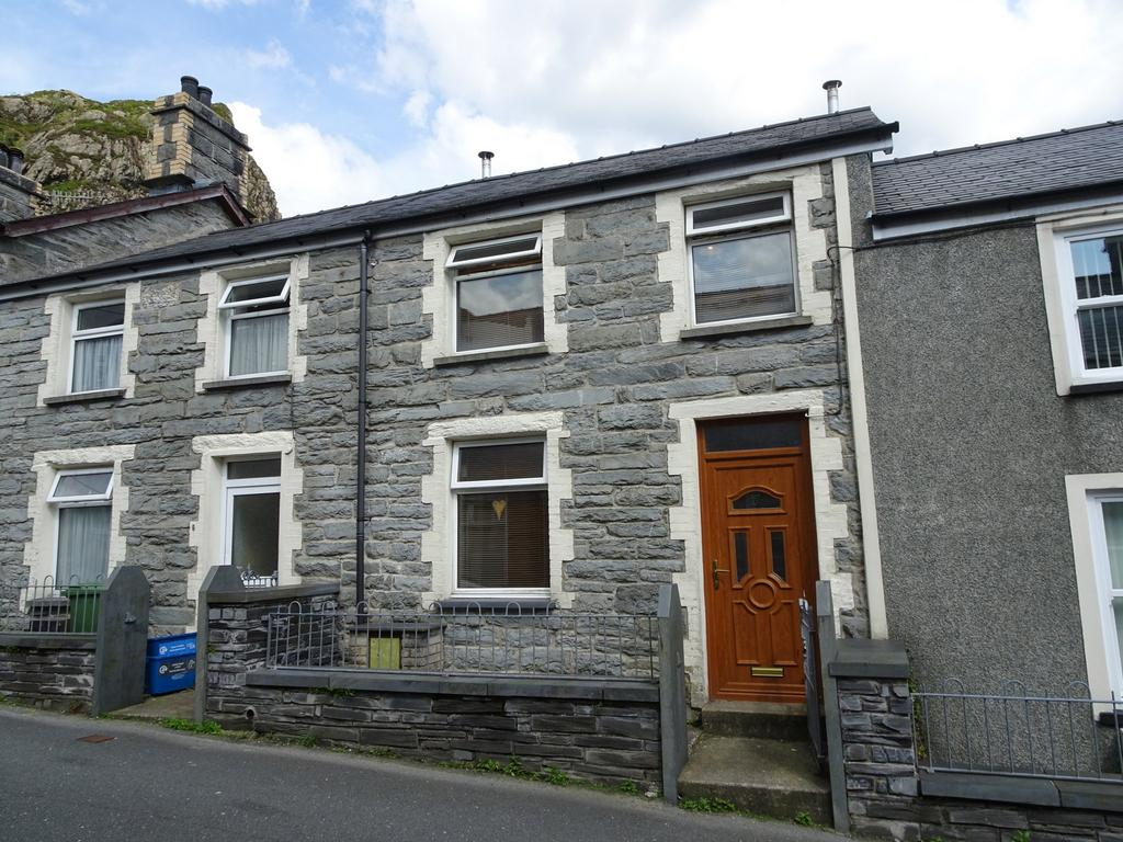 3 Bedrooms Terraced House for sale in Cromwell Street, Blaenau Ffestiniog LL41