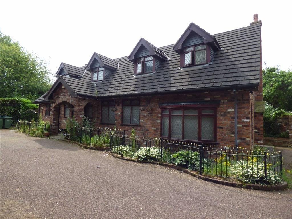 5 Bedrooms Detached Bungalow for sale in Bramhall Lane South, Bramhall, Cheshire