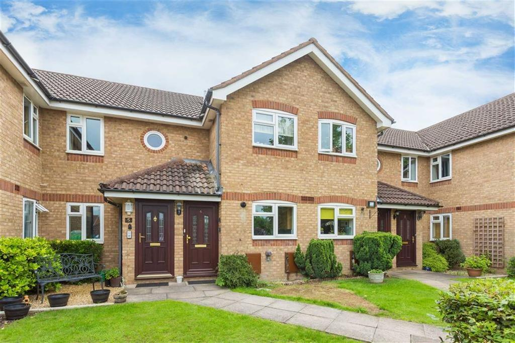 2 Bedrooms Apartment Flat for sale in Comet Close, Watford, Hertfordshire