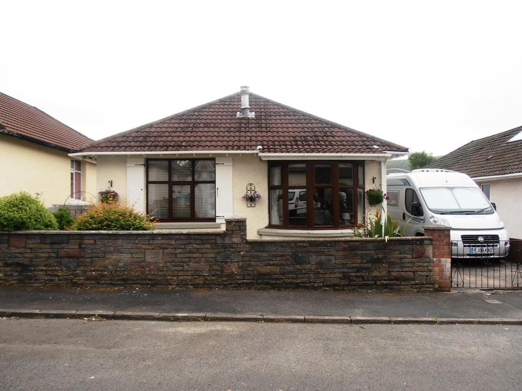 3 Bedrooms Detached Bungalow for sale in Park Grove, Aberdare