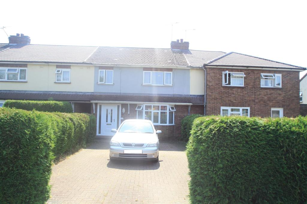 3 Bedrooms Terraced House for sale in St. Johns Road, Bletchley, Milton Keynes