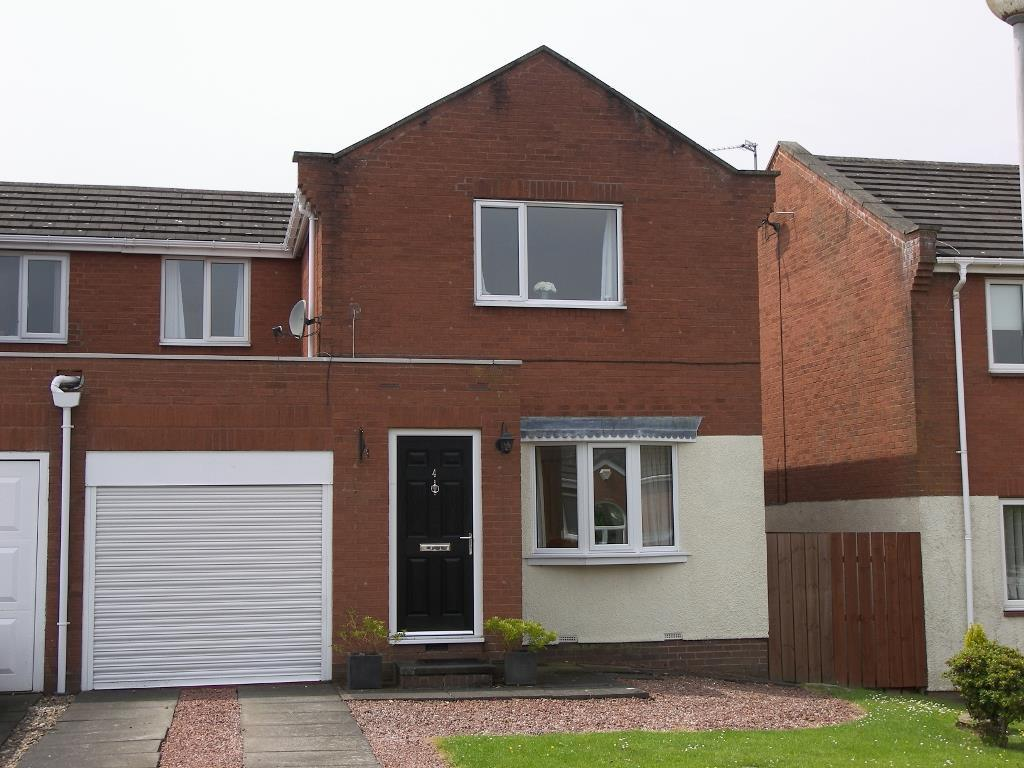 3 Bedrooms Semi Detached House for sale in Allery Banks