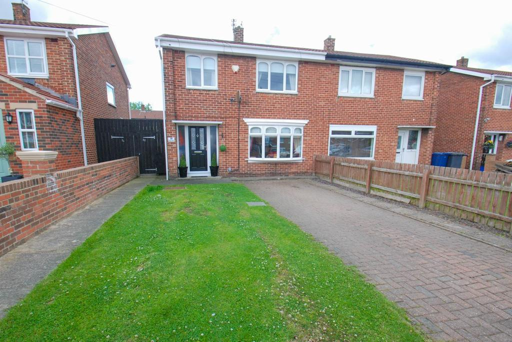 3 Bedrooms Semi Detached House for sale in Constable Gardens, South Shields