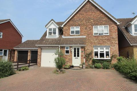 4 bedroom detached house for sale - Weller Grove, Chelmsford, Essex, CM1