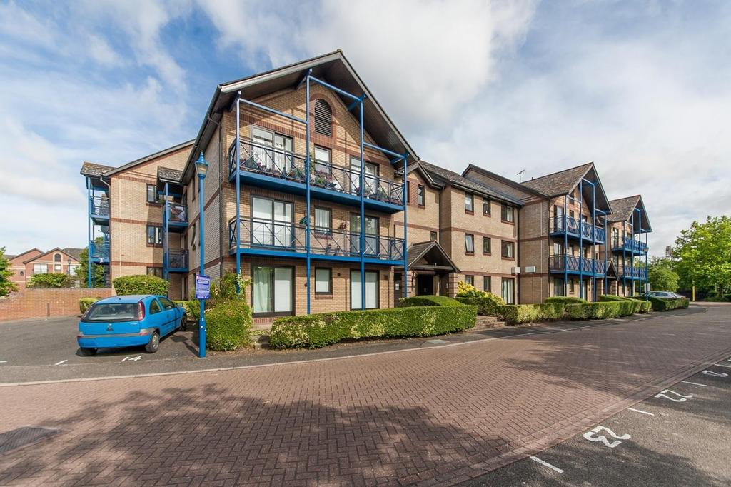 2 Bedrooms Apartment Flat for sale in Claremont Heights, Colchester, Essex, CO1