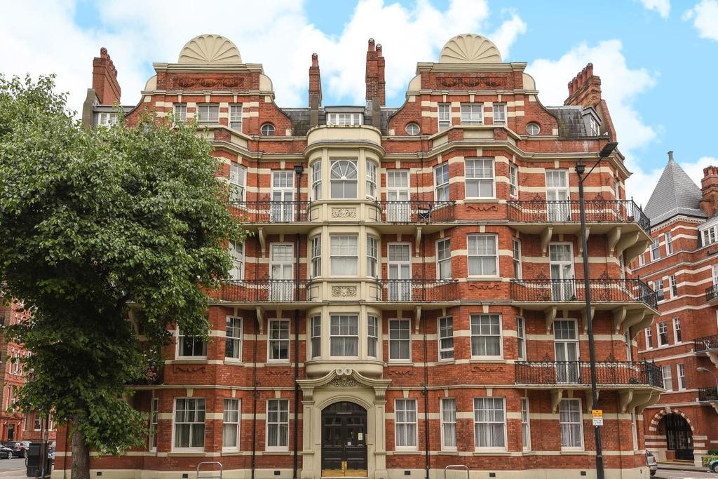 2 Bedrooms Flat for sale in Hammersmith Road, West Kensington, W14