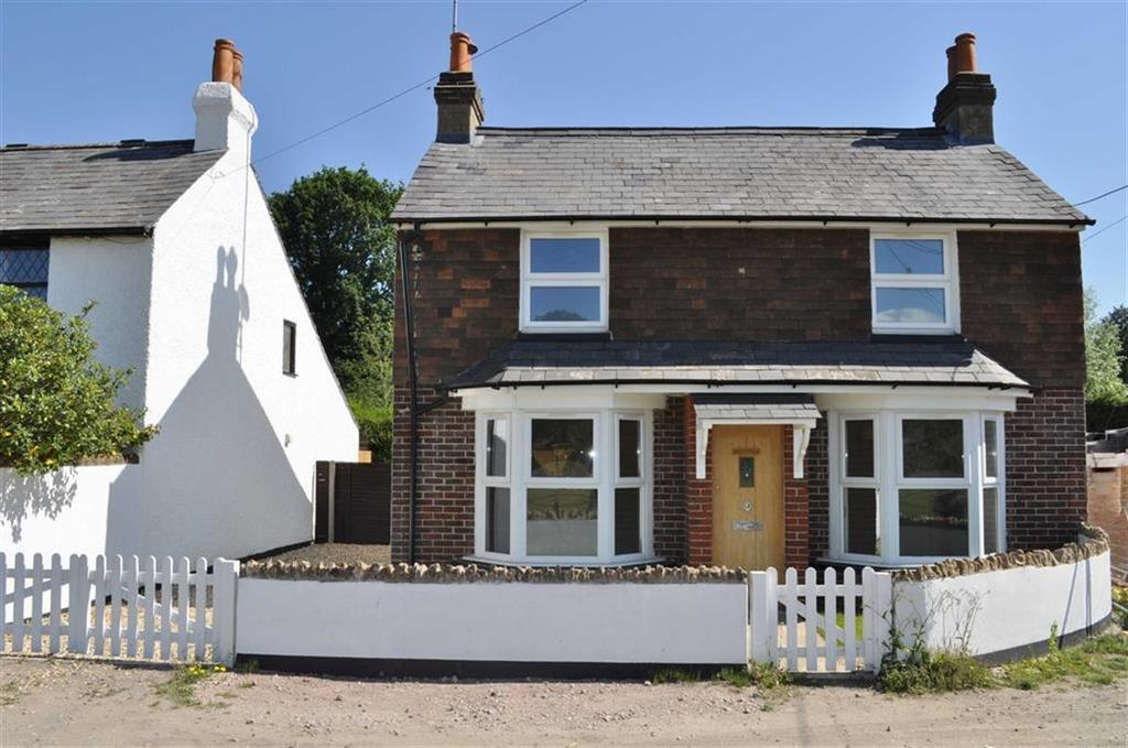 3 Bedrooms Detached House for sale in Peat Common, Elstead