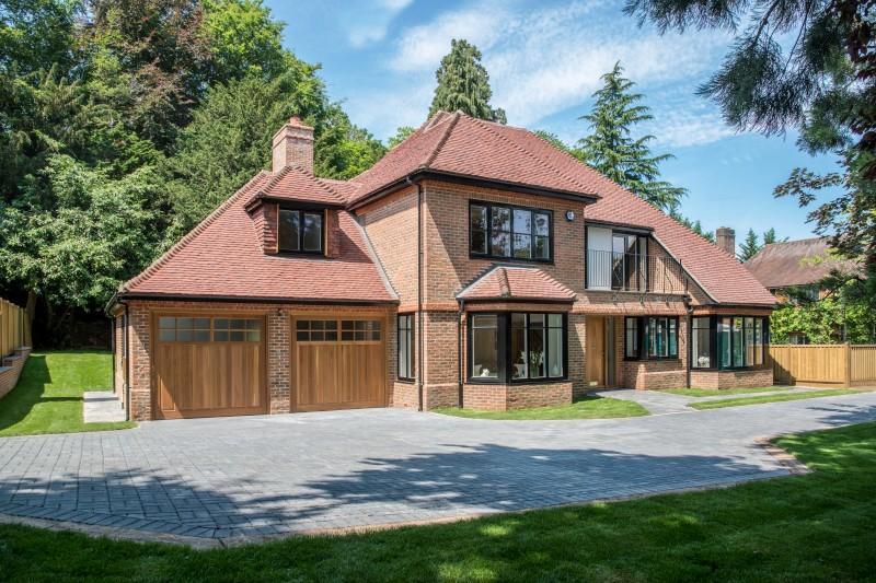 5 Bedrooms Detached House for sale in Flower Walk, Guildford