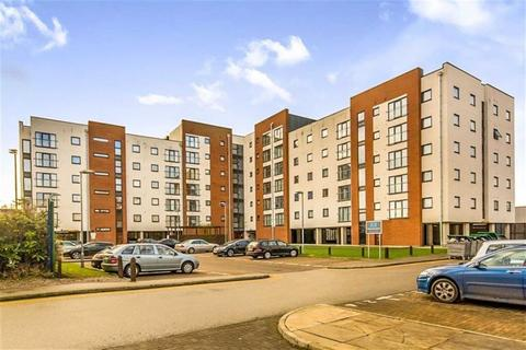3 bedroom apartment to rent - Pilgrims Way, Salford