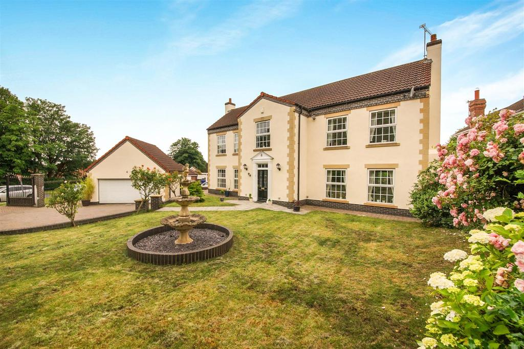 4 Bedrooms Detached House for sale in Welton Old Road, Welton, Brough