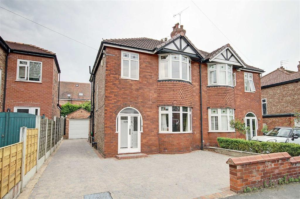 3 Bedrooms Semi Detached House for sale in Orchard Drive, Hale, Cheshire
