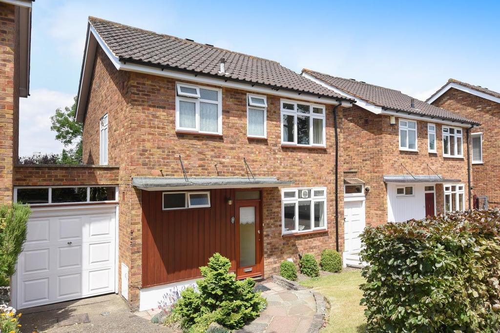 3 Bedrooms Detached House for sale in Hawthorndene Close, Hayes, BR2