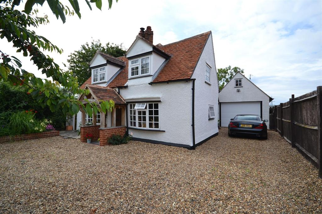 4 Bedrooms Detached House for sale in East End Road, Bradwell-On-Sea, Southminster