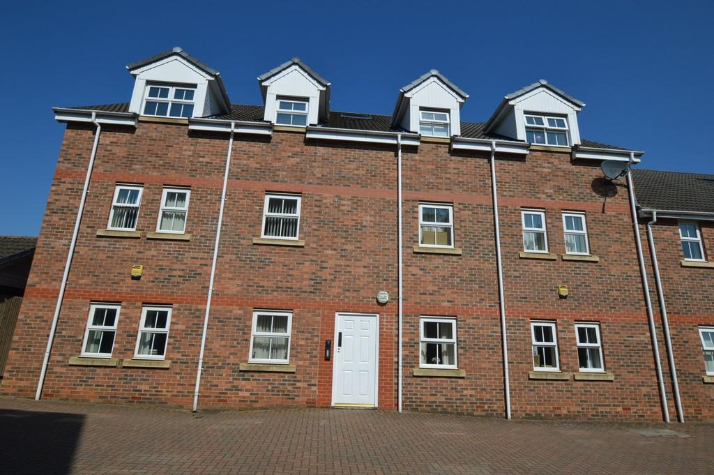 2 Bedrooms Flat for sale in Old Eltringham Court, Prudhoe