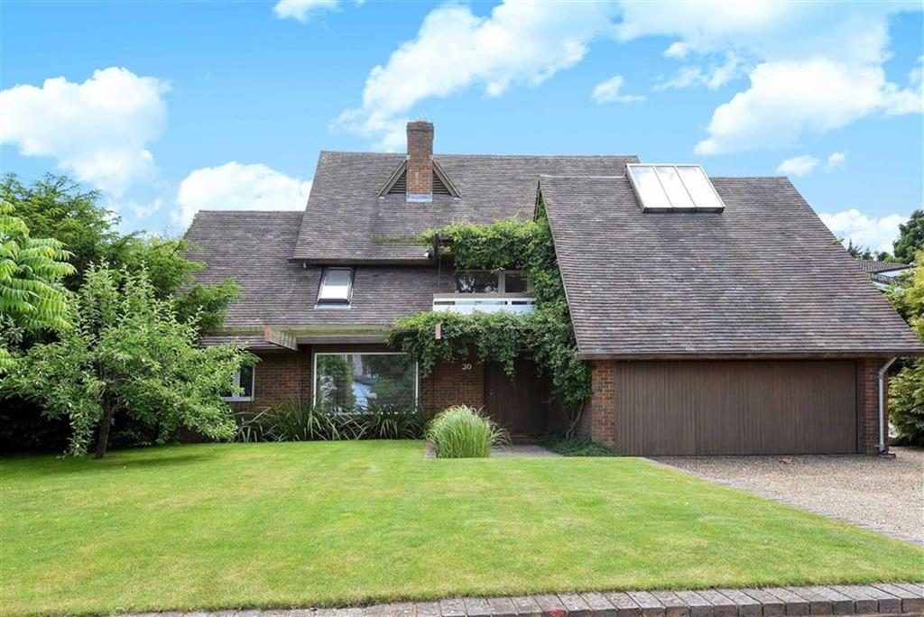 4 Bedrooms House for sale in Pewley Hill, Guildford, Surrey, GU1