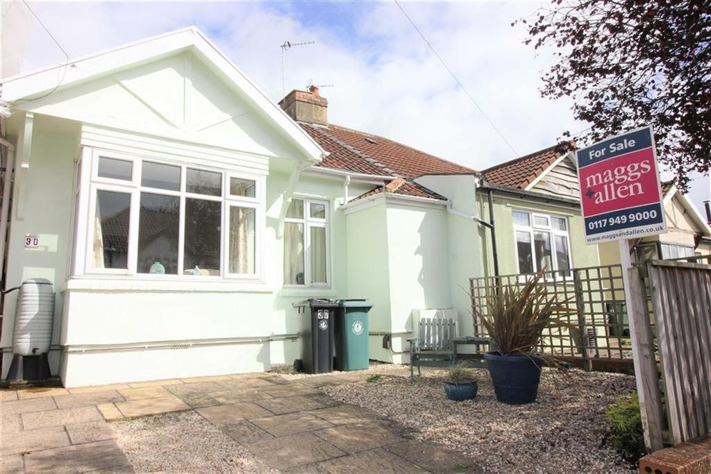 3 Bedrooms Bungalow for sale in Springfield Grove, Westbury Park, Bristol