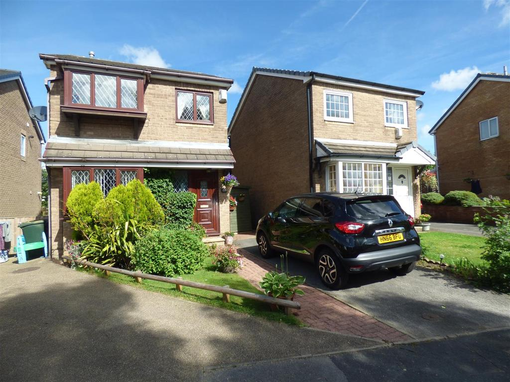 3 Bedrooms Detached House for sale in Sangster Way, Off Rooley Lane, Bradford, BD5 8LQ