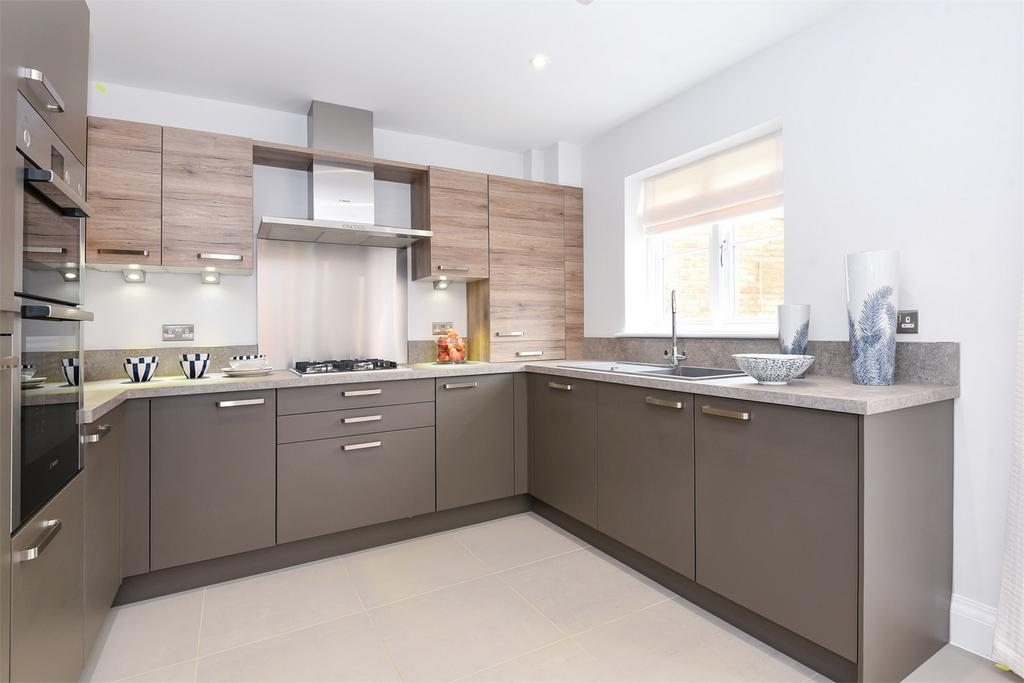 3 Bedrooms Semi Detached House for sale in Fair Oak, Hampshire