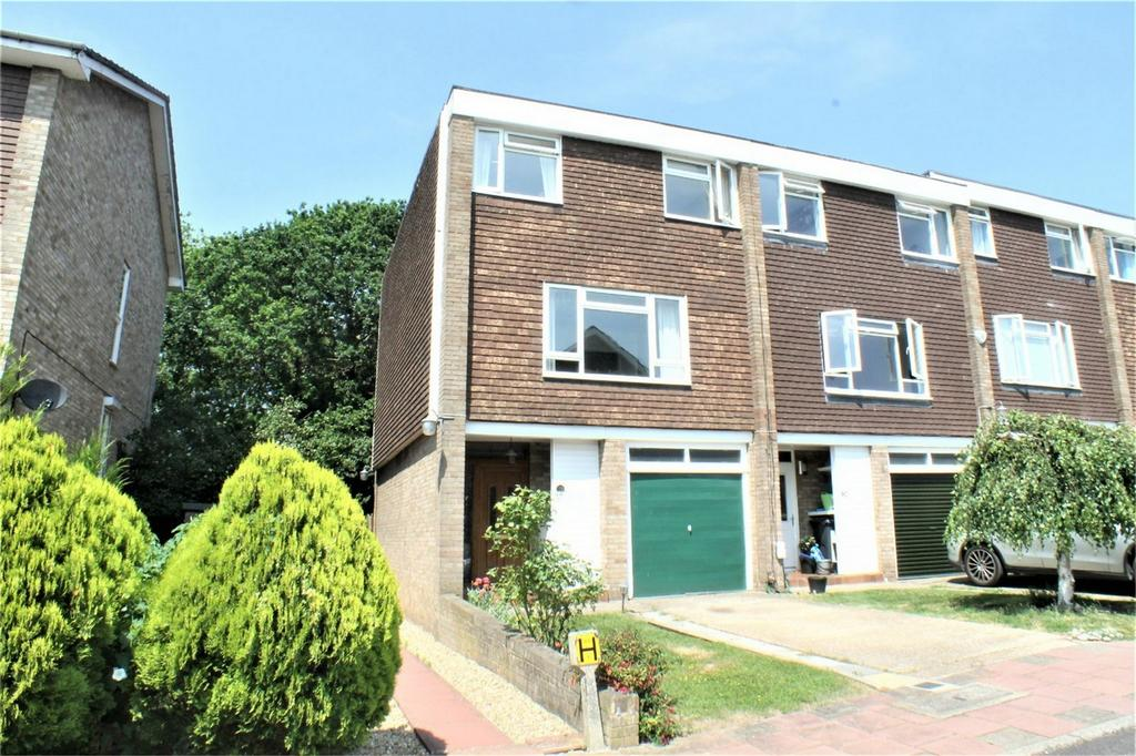 4 Bedrooms End Of Terrace House for sale in The Heights, Foxgrove Road, Beckenham