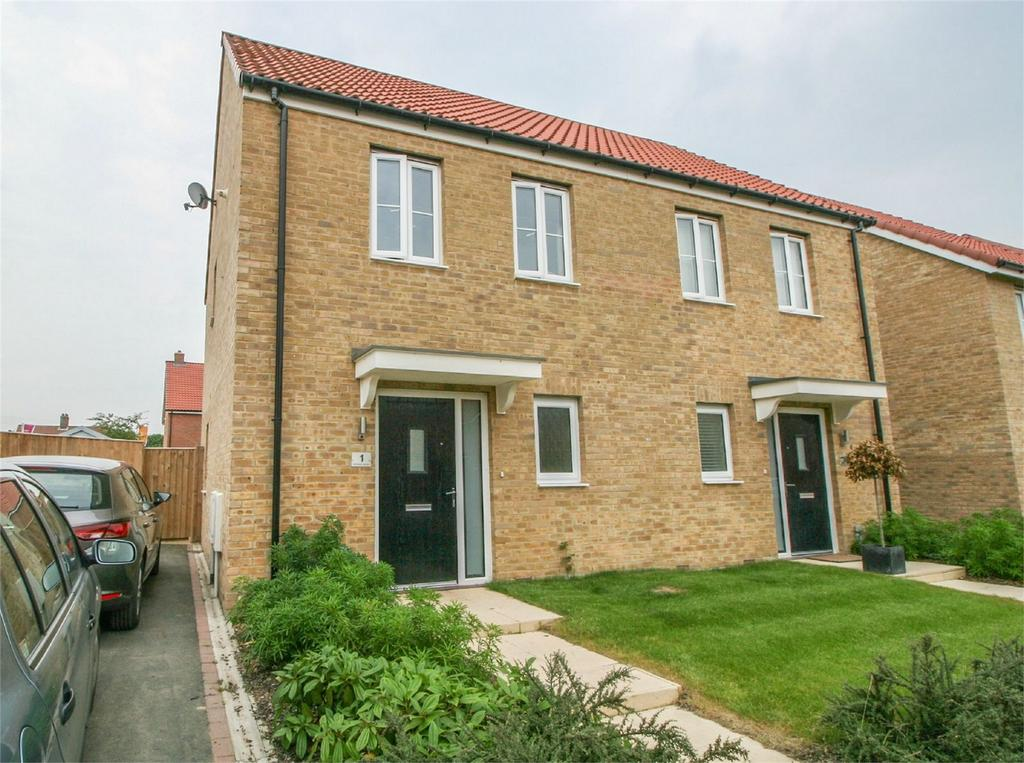 2 Bedrooms Semi Detached House for sale in Barbastelle Crescent, Hethersett, Norfolk