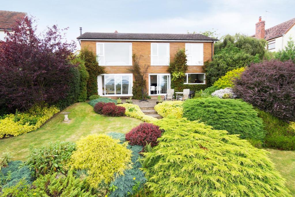 4 Bedrooms Detached House for sale in Rowney Green Lane, Alvechurch, Birmingham
