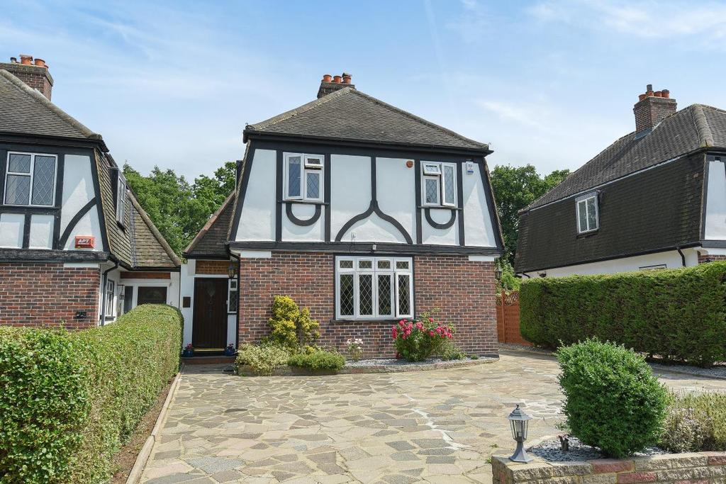 4 Bedrooms Detached House for sale in Hayes Way, Beckenham, BR3