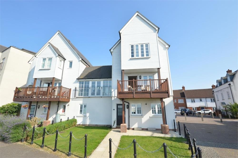 4 Bedrooms Link Detached House for sale in Watermans Way, Ingress Park, Greenhithe