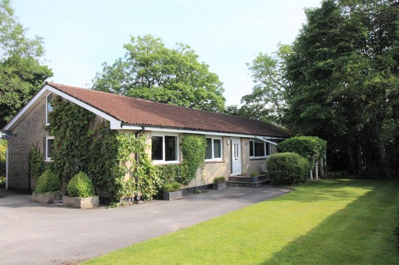 5 Bedrooms Detached Bungalow for sale in Charlton Road, Holcombe, Radstock