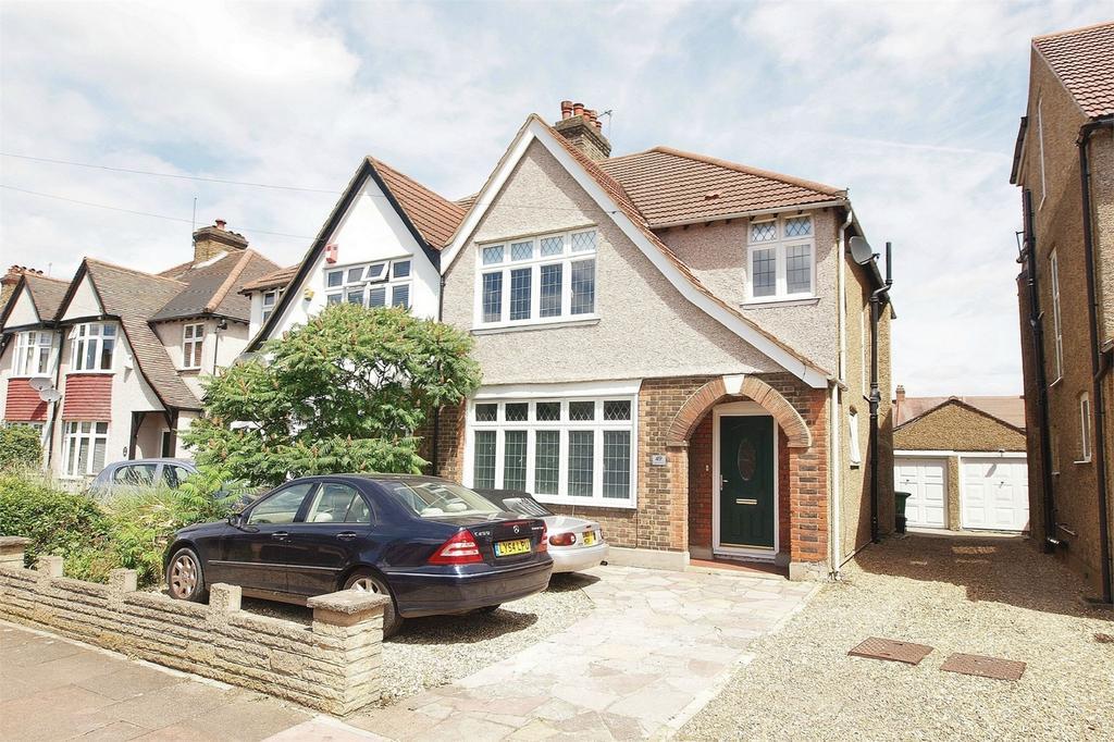 3 Bedrooms Semi Detached House for sale in Eden Park Avenue, Beckenham, Kent