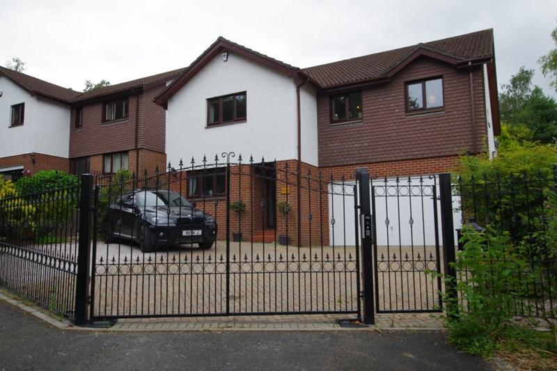 4 Bedrooms Detached House for sale in Aller Park