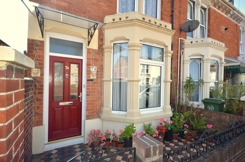 3 Bedrooms End Of Terrace House for sale in Catisfield Road, Milton, Southsea