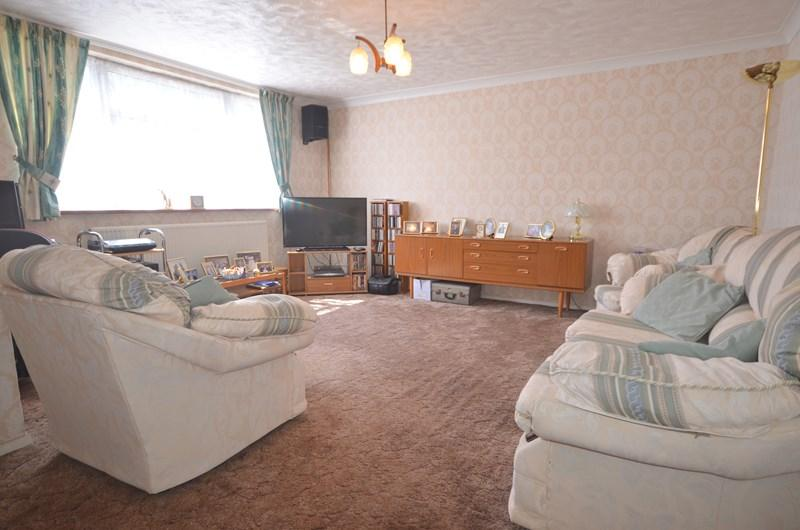 3 Bedrooms Terraced House for sale in Tern Walk, Milton, Southsea